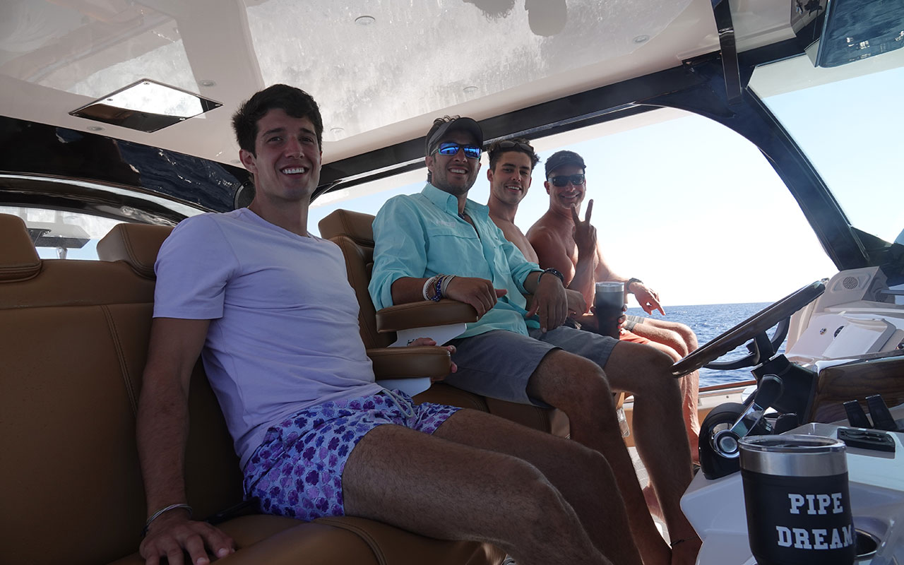 private boat rental with captain